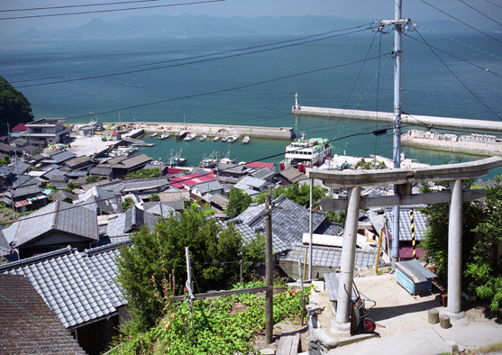 photo by 香川県高松市男木島 : 国宝建築・日本全国の町々を撮り歩く旅。